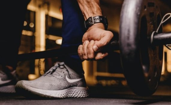 Although there are benefits of both cardio and weightlifting for seniors, blending the two types of exercise with a well-balanced diet can create the optimal circumstances for increased fat loss, improved mental health, and enhanced overall wellness.